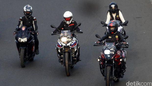 Lady Bikers! Sebelum Naik Motor Perhatikan Hal Ini Ya!