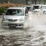 Terendam Banjir, Berapa Lama Mobil Diservis?