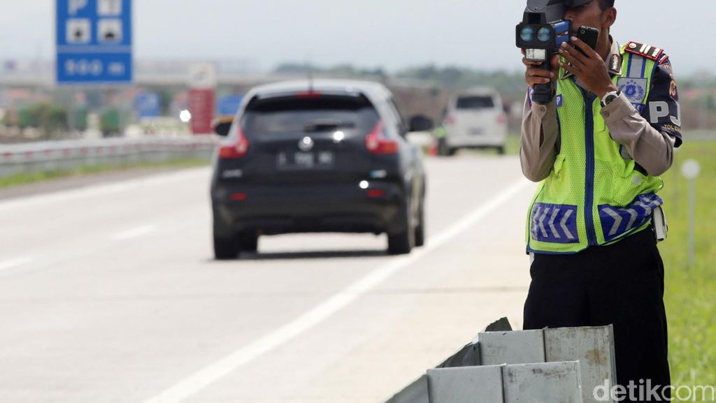 Kenali Batas Kecepatan di Jalan Bebas Hambatan