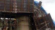 Satu Beton Penyangga Jembatan Tol Depok-Antasari Ambruk