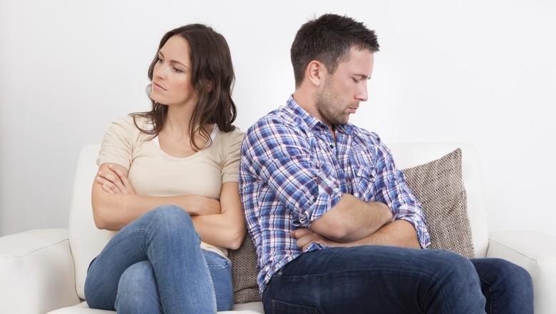 Ilustrasi pasangan berantem karena selingkuh/ Foto: thinkstock