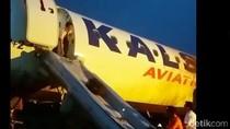 Pesawat KalStar yang Overshoot Belum Dievakuasi, Bandara Kupang Sudah Dibuka
