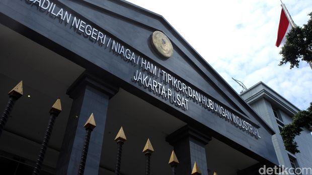 Jaksa memutar rekaman CCTV RS Medika Permata Hijau saat Fredrich Yunadi datang menemui dokter, Kamis (22/3/2018)