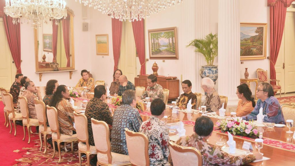 Cara Budayawan Beri Masukan untuk Presiden Jokowi
