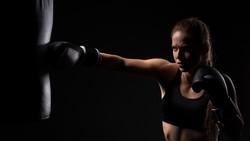 Jika sedang stres, olahraga saja! Berikut ini pilihan olahraga yang bisa Anda lakukan untuk usir rasa tertekan.