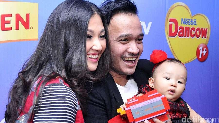 Happy Family! Ruben, Sarwendah dan si Mungil Thalia