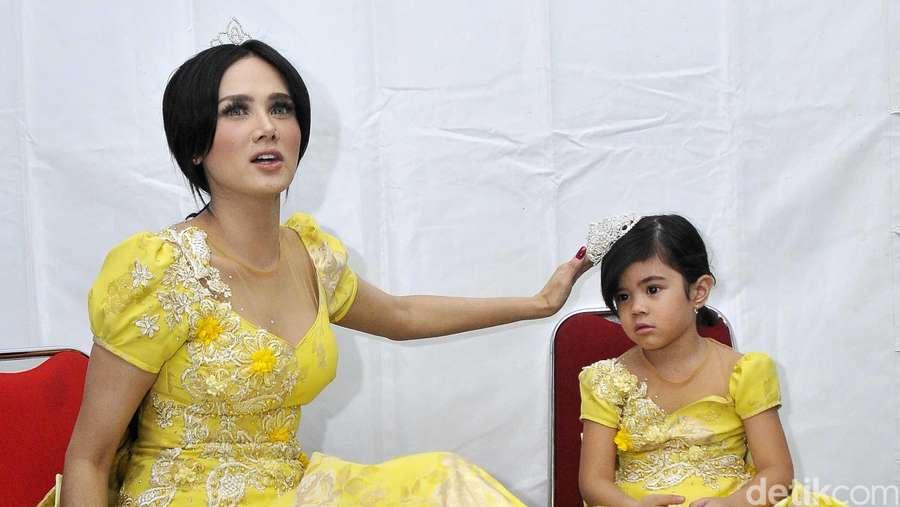 Mulan Jameela dan Shafeea Bak Ratu dan Princess