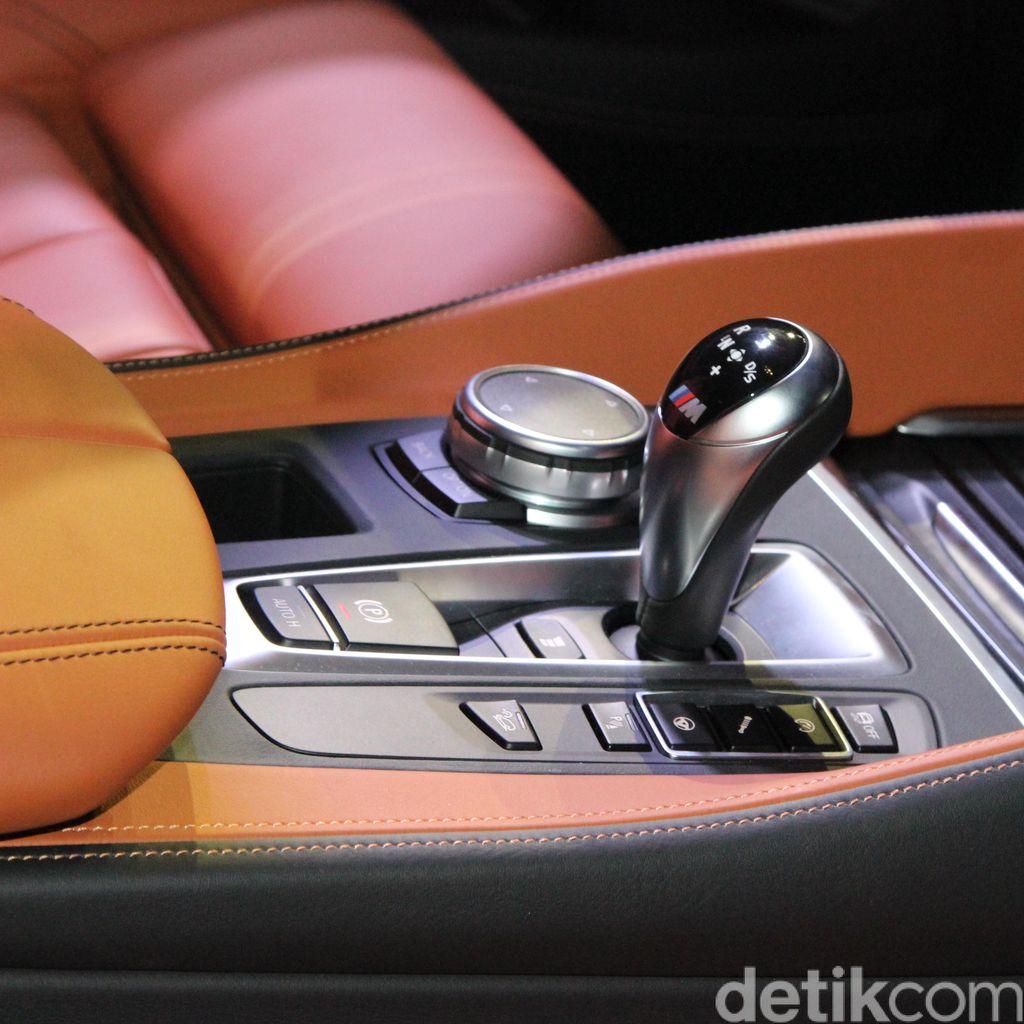 Mobil Matik Kena Macet, Transmisi Jangan Ditahan di D
