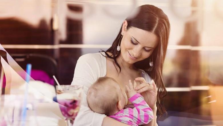 Suka duka menyusui si kecil/ Foto: thinkstock