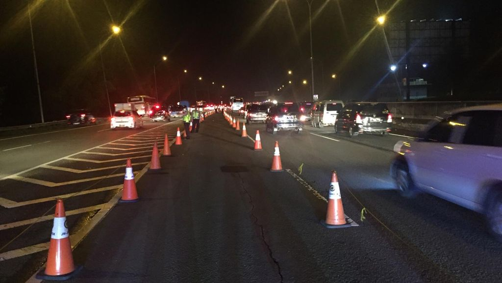 Malam Imlek, Sebagian Besar Lalu Lintas Arah Luar Jakarta Lancar