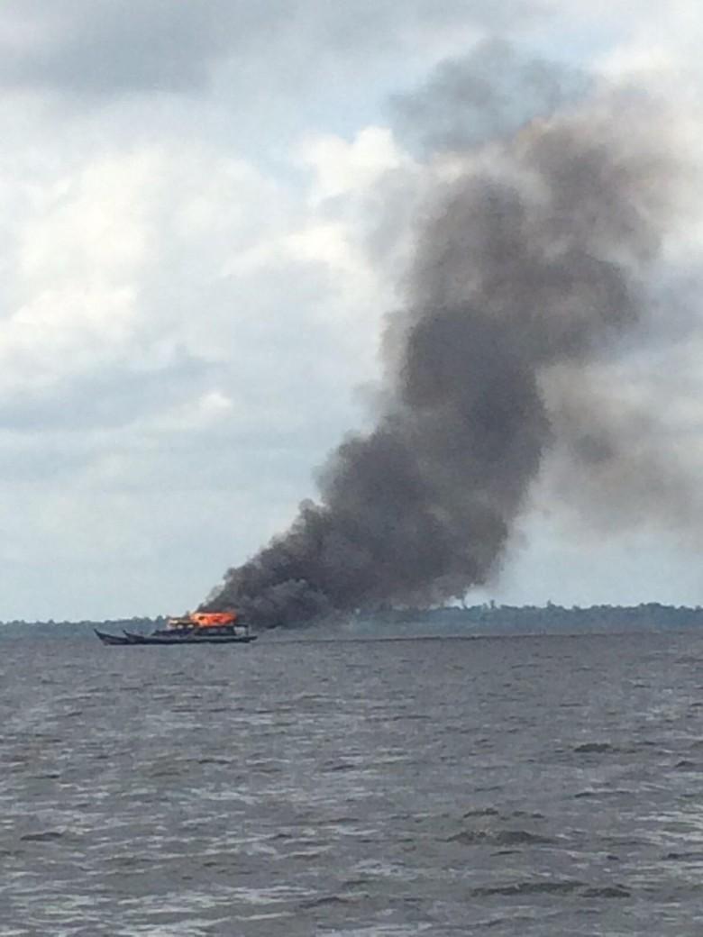 Dikomandoi Menteri Susi, 81 Kapal Pencuri Ikan Ditenggelamkan