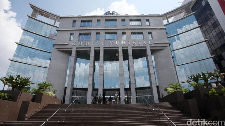 Usai David Tobing, Kini Tokoh Buruh Gugat KY di Seleksi Hakim PHI