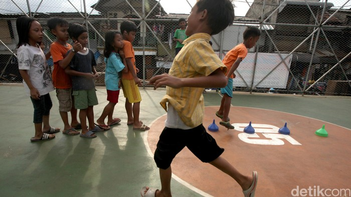 Ilustrasi anak bermain di RPTRA Petamburan (Foto: Ari Saputra)