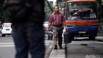 Soal Metromini, Sandiaga: yang Tidak Layak Jalan Akan Ditindak