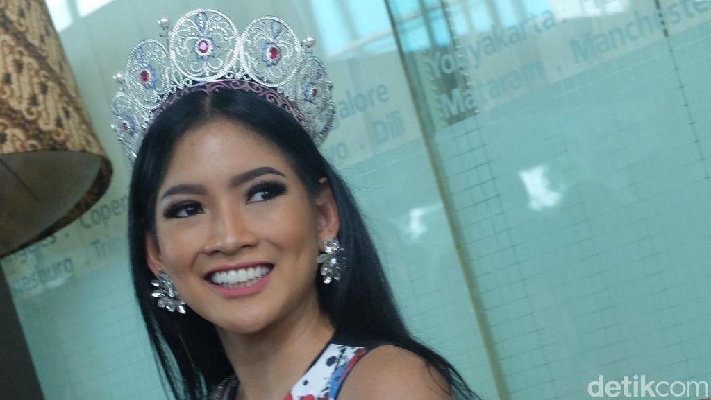 Puteri Indonesia Sempat Menangis Setelah Insiden Miss Universe 2015