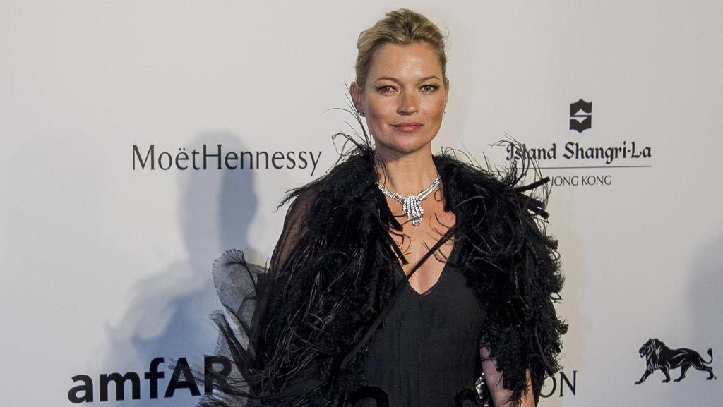 Foto: 5 Gaya Busana Terbaik Kate Moss Sepanjang 2015