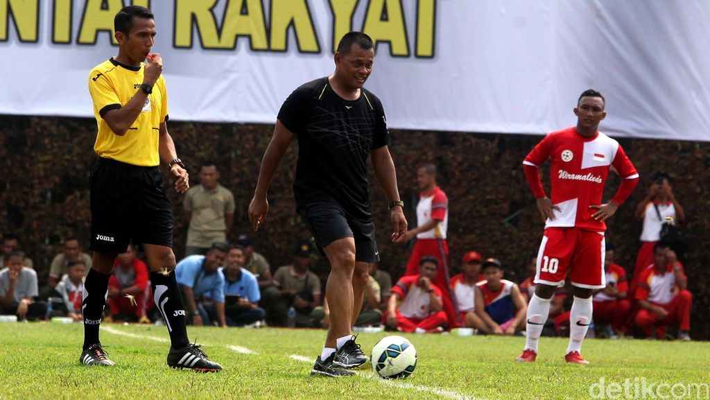 Panglima TNI Buka Eksebisi Sepakbola PS TNI