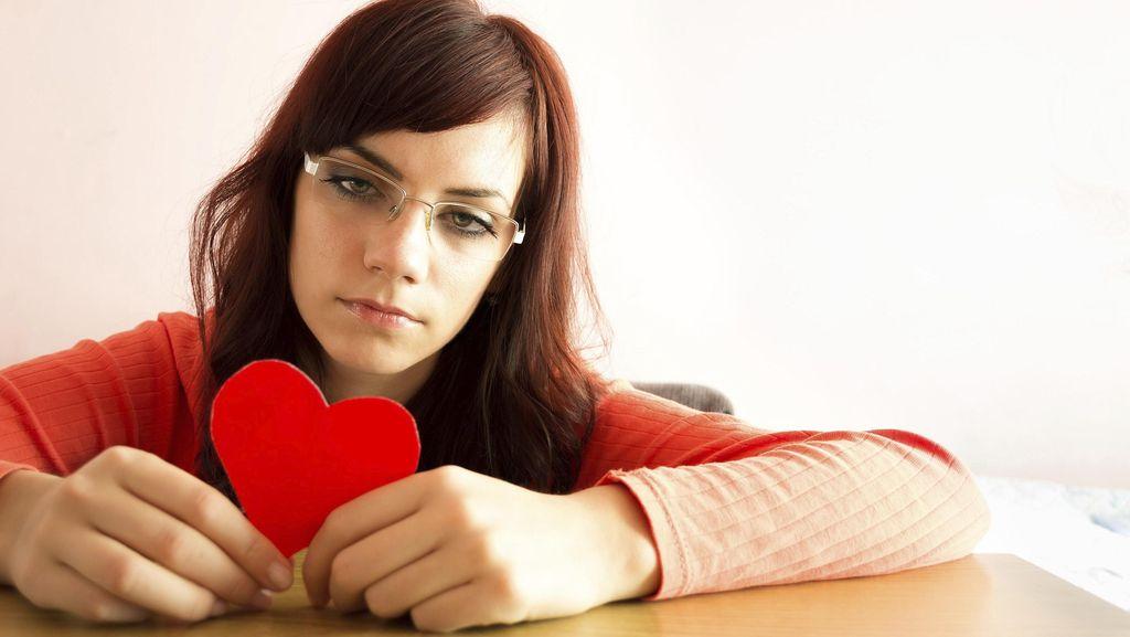 5 Tanda Kamu Punya Philophobia, Fobia Jatuh Cinta