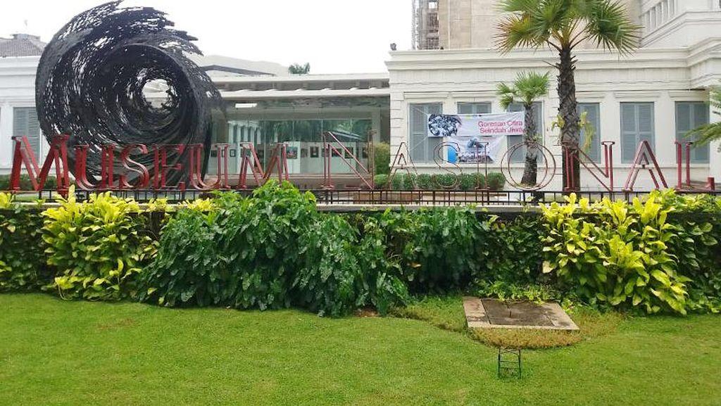 Liburan, Anak Sekolah Belajar Bikin Batik di Museum Nasional
