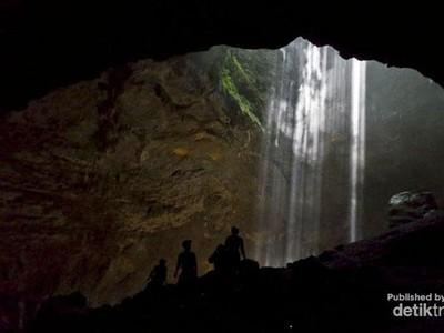 Cahaya Surga nan Fotogenik di Gua Jomblang