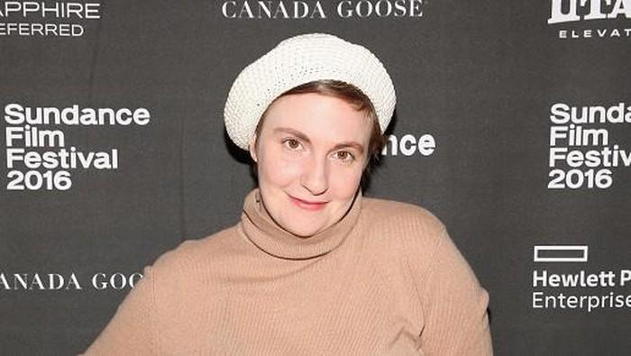 Lena Dunham sudah bertahun-tahun bergulat dengan endometriosis. Ia pun memilih melakukan prosedur angkat rahim untuk menuntaskan kondisinya. Foto: dok. Getty Images
