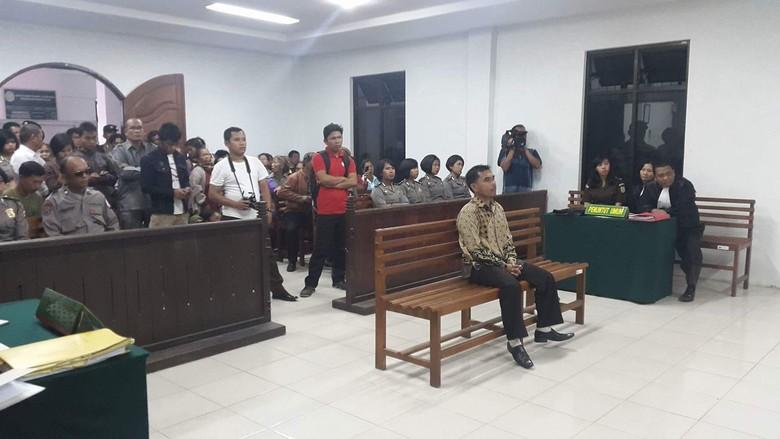 Konflik Tanah Adat, Aktivis Lingkungan di Sumut Divonis Bebas