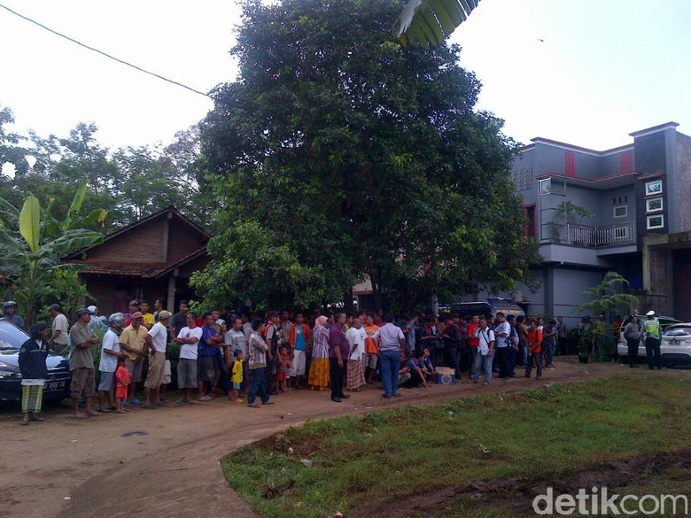 Ramai Warga, Begini Suasana Gudang Penyimpanan 100 Kg Sabu di Jepara
