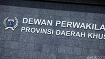 Anggota DPRD DKI Duga Tim Gubernur Hanya untuk Wadahi Timses