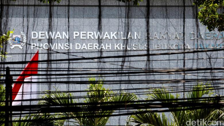 Muncul Lagi, Anggaran Air Mancur DPRD DKI Pernah Dicoret Kemendagri