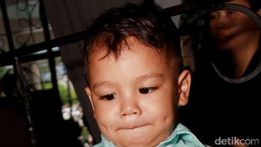 Putra Titi Kamal dan Christian Sugiono Imut Berlesung Pipit