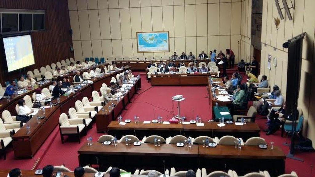 DPR Kritisi Beda Kebijakan Mentan dan Mendag Soal Impor Jagung