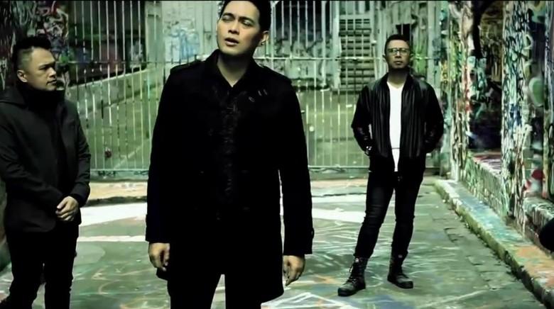 Vokalis Donnie Sibarani Mundur dari ADA Band