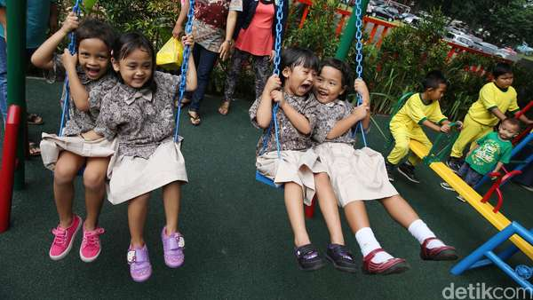 Seskab: Presiden Minta Mendikbud Kaji Kebijakan Sekolah 8 Jam