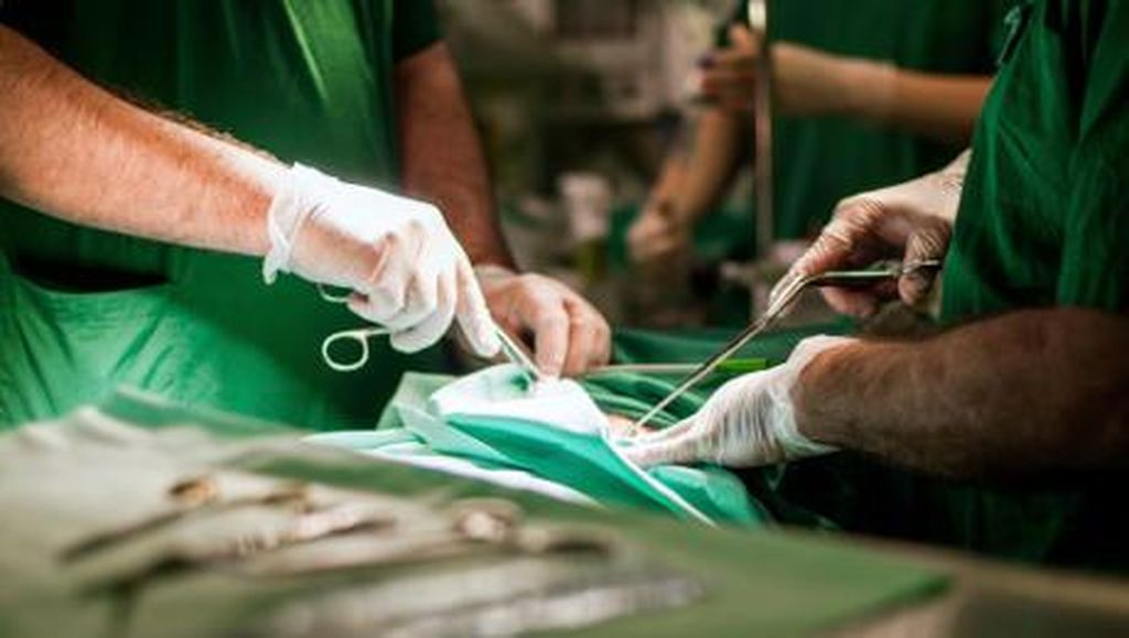 Donor Jantung Kekecilan, Tim Dokter Putar Otak untuk Selamatkan Pria Ini