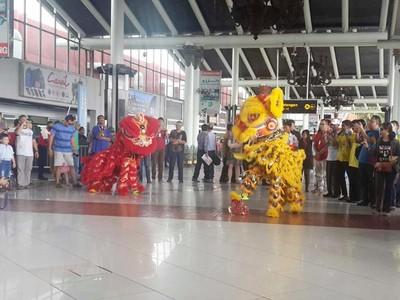 Meriahkan Imlek, Barongsai Hibur Traveler di Bandara Soekarno-Hatta