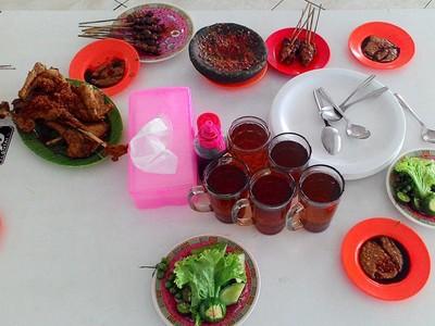 Destinasi Wisata Kuliner Rahasia Orang Cirebon