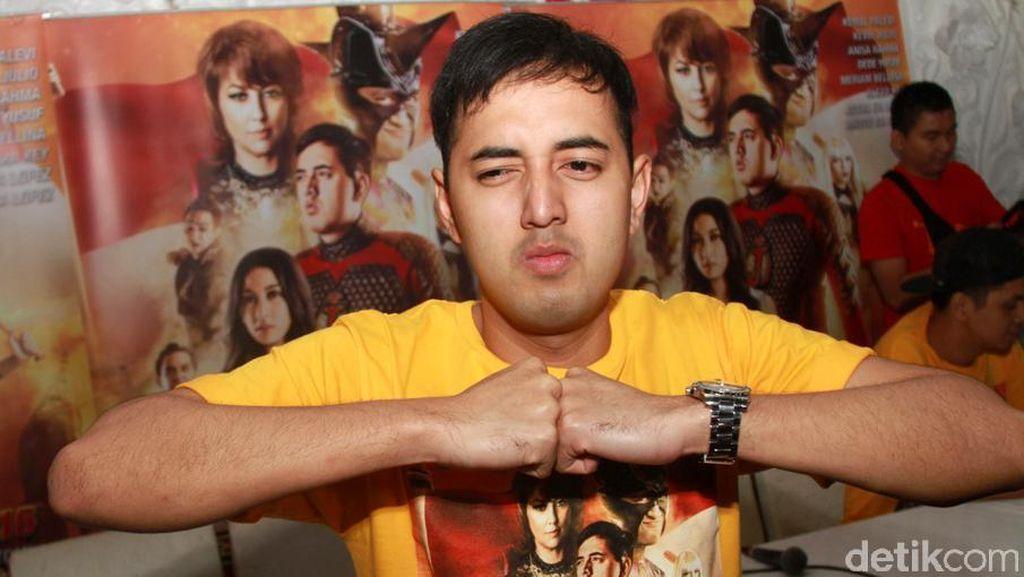 Telepon Genggamnya Ditabok Justin Bieber, Kemal Palevi Beri Penjelasan
