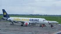 Dukung Interpol, Turn Back Crime Hiasi Badan Pesawat AirAsia