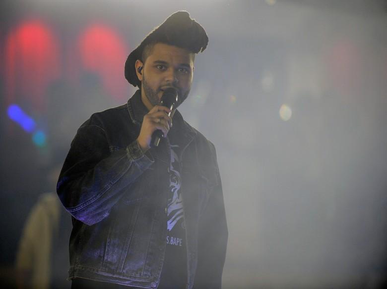 Pihak The Weeknd Buka Suara Soal Kasus Pemerkosaan di Backstage