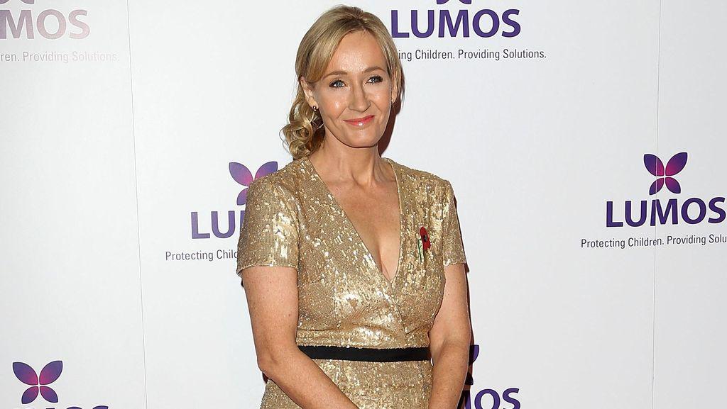 J.K Rowling Larang Beli Naskah Prekuel Harry Potter yang Dicuri