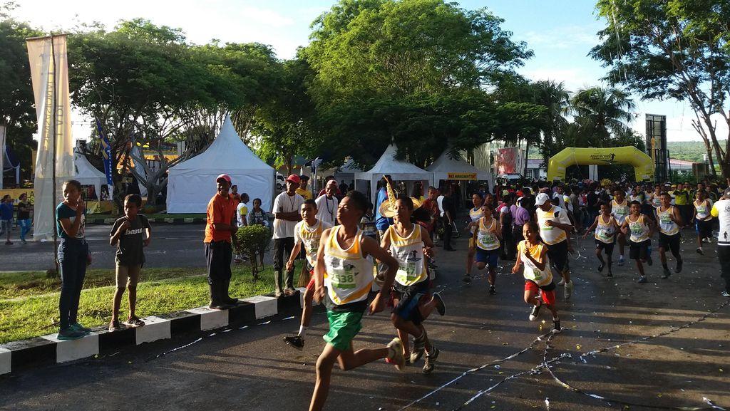 Seru! Ajang Lari di Sekitar Bandara Kupang