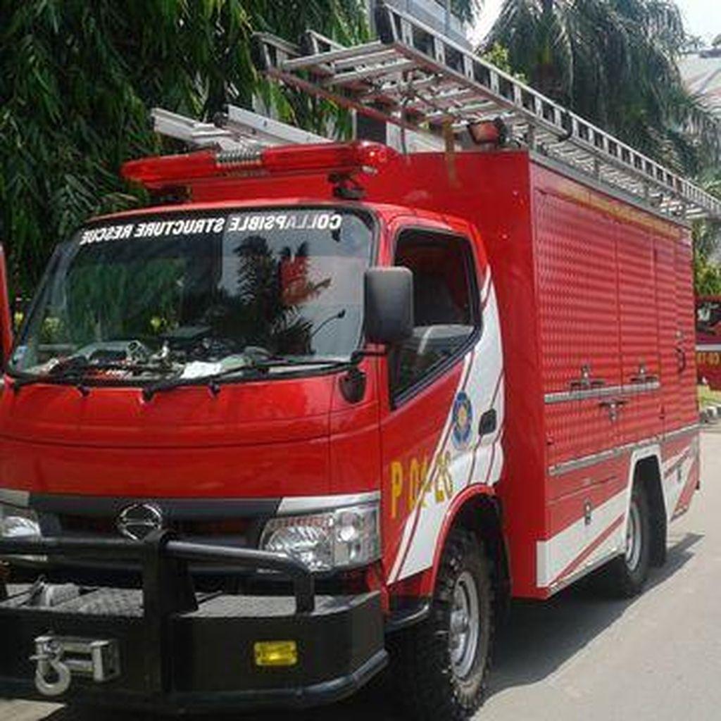 Apartemen City Lofts Terbakar, 10 Unit Damkar Dikerahkan
