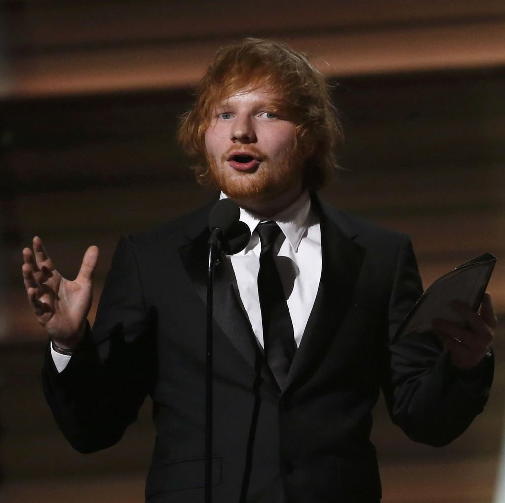 Alami Kecelakaan, Konser Ed Sheeran Dibatalkan?
