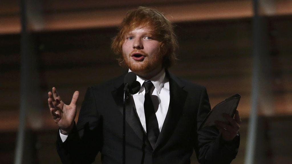 Belum Diminta, Ed Sheeran Sudah Buat Lagu James Bond 3 Tahun Lalu