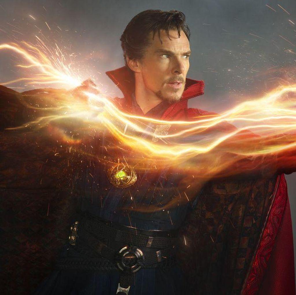 Isu Persaingan Benedict Cumberbatch dan Robert Downey Jr