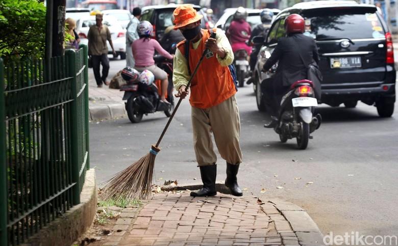 1.136 Petugas Kebersihan di Bandung Siaga Kawal Libur Lebaran