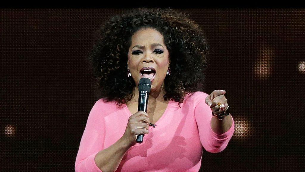 Oprah Winfrey Lelang Isi Lemari Mulai dari Rp 13.000