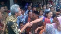 Gubernur Jateng Ganjar Pranowo Sambangi Ahok