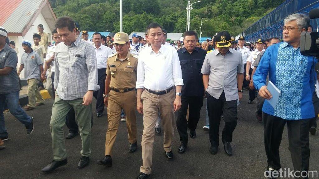 Kunjungan ke Sulawesi Tenggara, Jonan Resmikan 2 Pelabuhan Penyeberangan