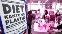 Kebijakan Kantong Plastik Berbayar Siap Diterapkan di Pasar Tradisional